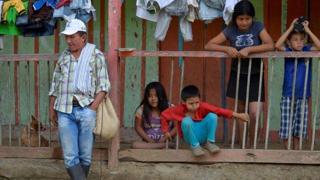 Familia campesina en Colombia