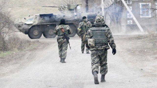 Військові патрулюють село