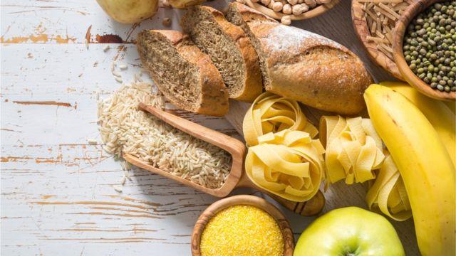 Pan, pasta, frutas y granos