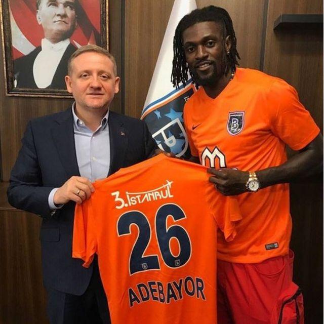 Le club turc Istanbul Basaksehir, actuel deuxième du championnat, a annoncé l'arrivée de l'international togolais Emmanuel Adebayor pour 18 mois.