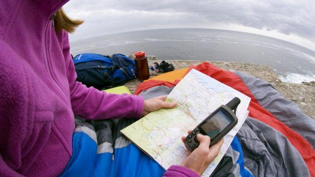 Конечно, старая добрая карта поможет нам найти дорогу, но многие аспекты современной жизни уже просто невозможны без систем типа GPS