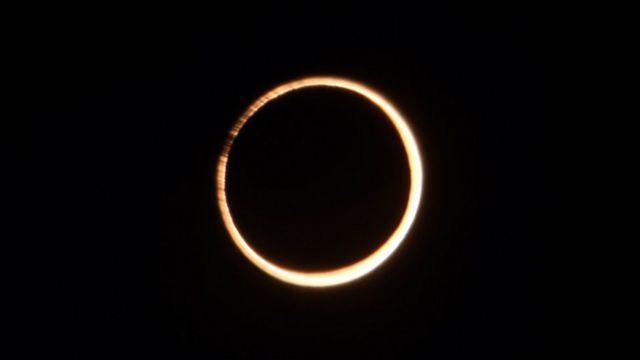 عبور ماه از مقابل خورشید، در کسوف حلقوی آمریکای جنوبی