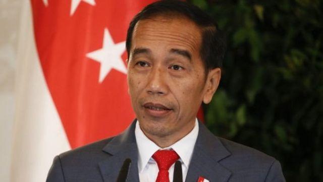 Presiden Joko Widodo belum memastikan apakah akan mengeluarkan Perppu UU KPK.