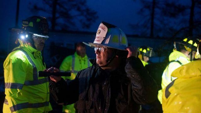 Equipos de emergencia en Luisiana