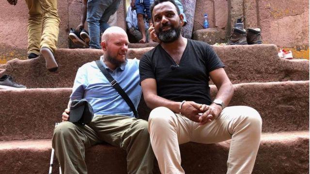 Giles com guia na Etiópoa