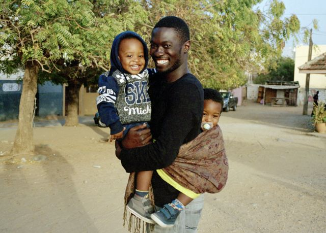 Moulaye, Hassan et Malick à Mermoz, un quartier résidentiel de Dakar, Sénégal.