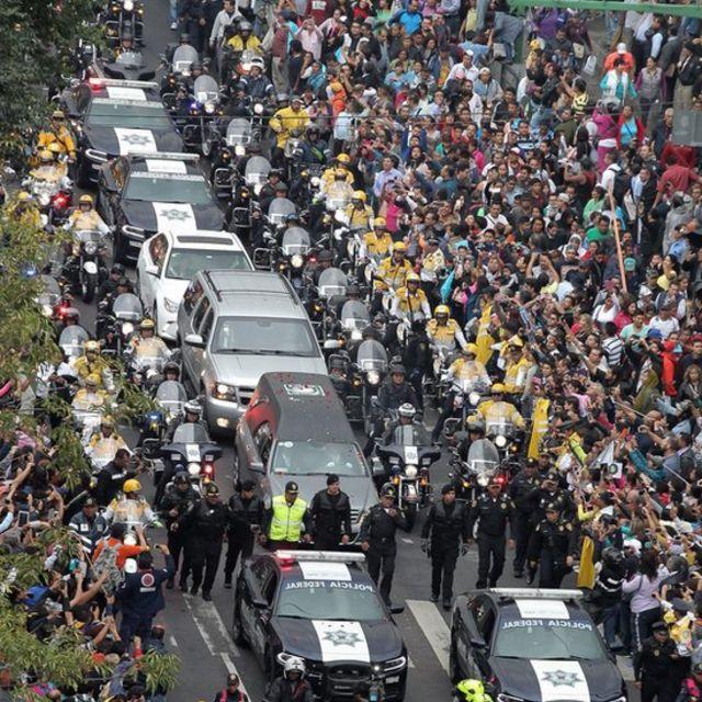 Admiradores de Juan Gabriel en la Ciudad de México