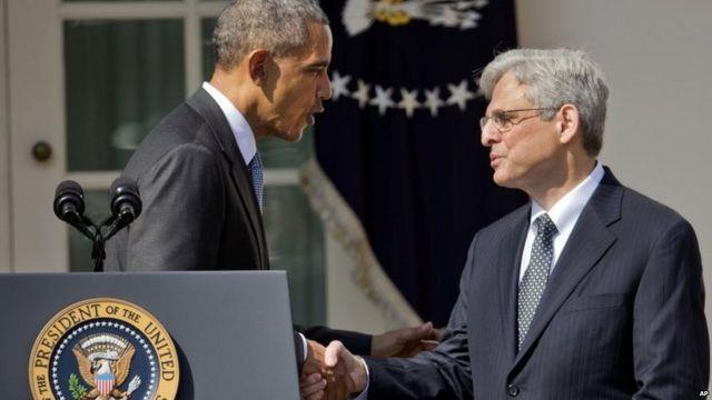 ホワイトハウスのローズ・ガーデンでガーランド氏(写真右)の指名を発表したオバマ大統領(16日)