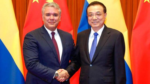 Duque con Li Keqiang, primer ministro chino