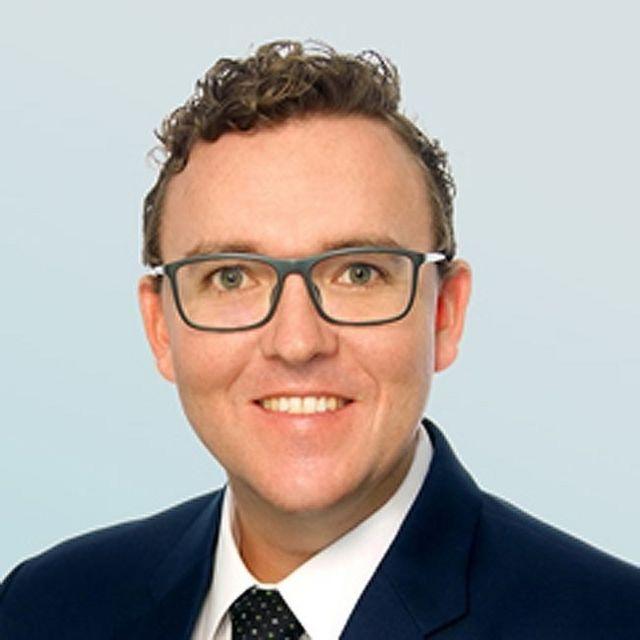 Ông Dominic Volek, Giám đốc kinh doanh của Henley & Partners