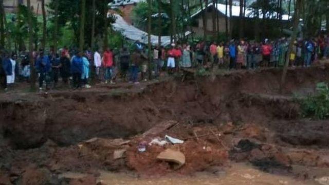 L'éboulement de terrain à Bafoussam aurait fait plusieurs disparues et d'importants dégâts matériels