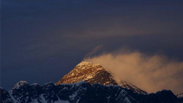 標高8848メートルのエベレストは世界最高峰だ