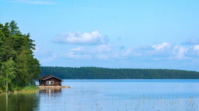 Летом финны предпочитают не утыкаться в экран смартфона, а проводить время на природе
