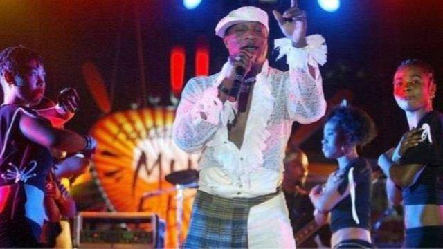 Bwana Olomide w'imyaka 62 y'amavuko, ubundi amazina ye bwite atari ay'ubuhanzi ni Antoine Christophe Agbepa Mumba