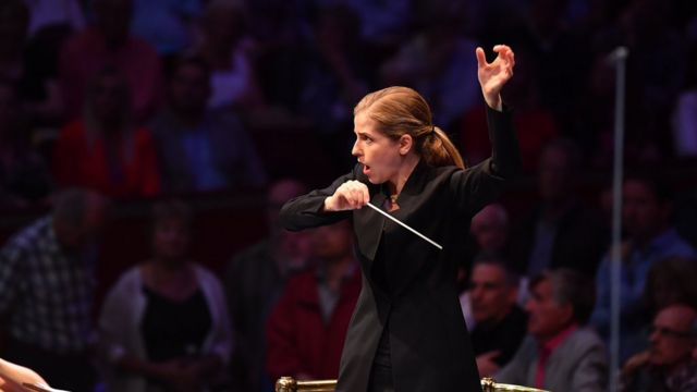 Conductor Karina Canellakis makes Proms history with stirring First Night