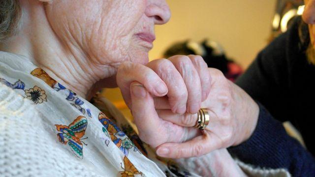 Adult social care outlook 'bleak', warns think tank