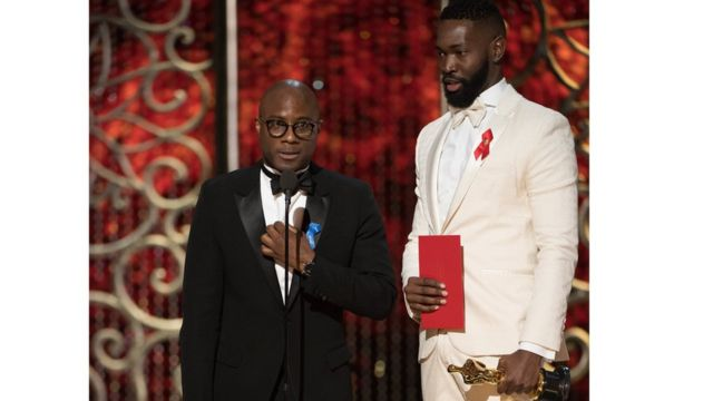 """Баррі Дженкінс і Таррелл МакКрейн отримали свої """"Оскари"""" за найкращий адаптований сценарій"""