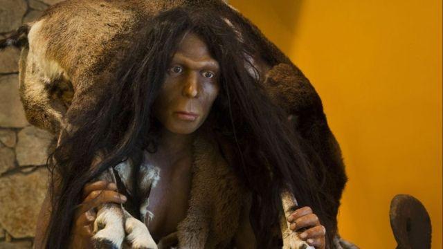 Recreación de un Homo erectus