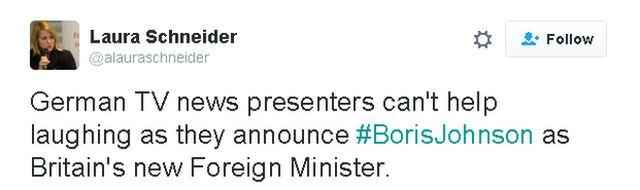 """""""Твиттер"""": Немецкая журналистка Лора Шнайдер обратила внимание на то, как телеведущие веселятся, когда объявляют о назначении Джонсона."""