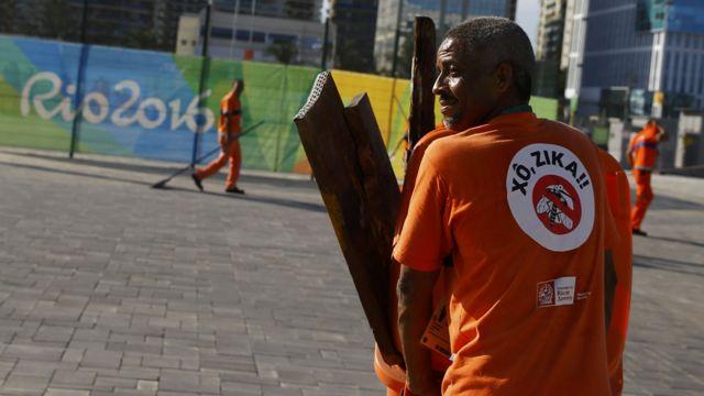 Медработник в Рио-де-Жанейро