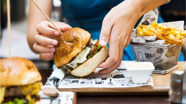 Restaurant dishes 'contain more calories than fast-food meals'