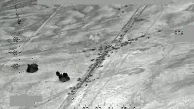 """""""La mayoría (de los que iban en el convoy) eran militantes extranjeros que se negaron a rendirse ante nuestras tropas"""", dijo a los medios Hamid al Maliki, teniente general de la fuerza aérea de Irak."""
