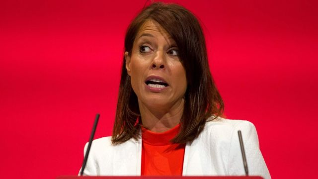 Gloria De Piero: Labour MP quits as shadow justice minister