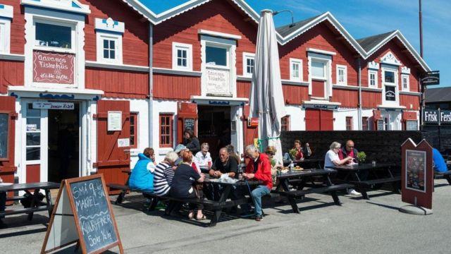 السر وراء شعور الدنماركيين بالسعادة