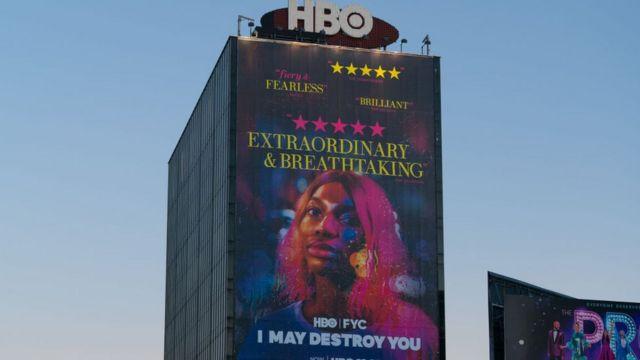 Una gran valla publicitaria anuncia la serie I May Destroy You, 21 de diciembre 2020