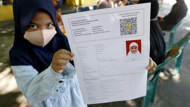 Sekolah Pemerintah Izinkan Daerah Zona Hijau Membuka Sekolah Nadiem Makarim Jika Orang Tua Tak Nyaman Murid Boleh Belajar Dari Rumah Bbc News Indonesia