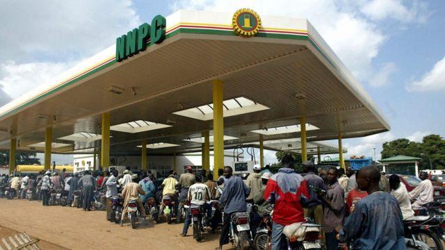 Latest fuel price in Nigeria as goment tok dia latest decision on petrol - BBC News Pidgin