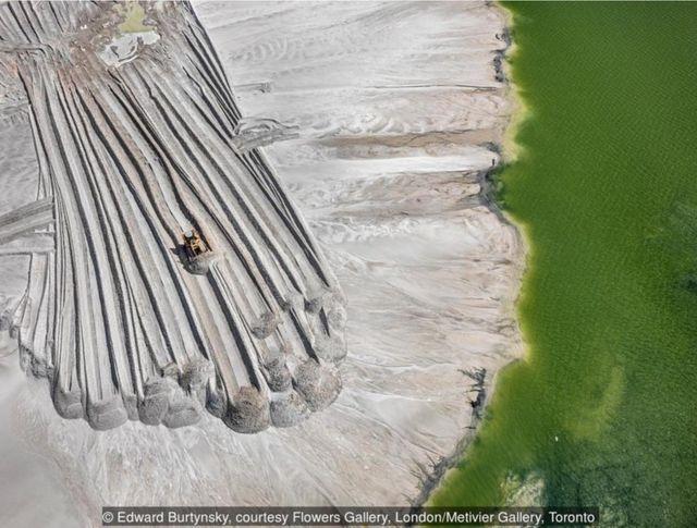 2012年,近美國佛羅里達州的萊克蘭,磷尾礦池#4。