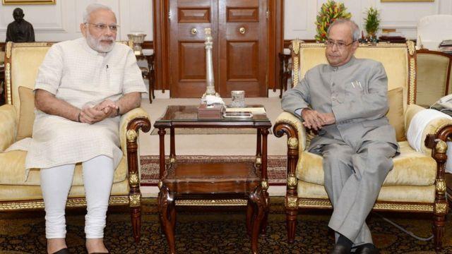 प्रधानमंत्री नरेंद्र मोदी ने सोमवार को राष्ट्रपति प्रणव मुखर्जी से मुलाकात की