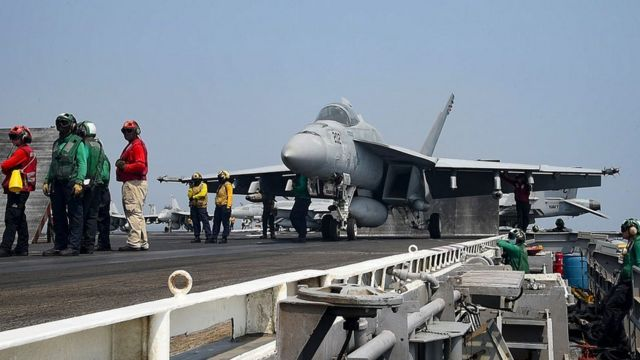 на палубе американского авианосца в Персидском заливе