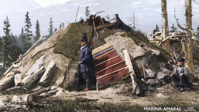 Fotografía de una casa saami de Suecia.