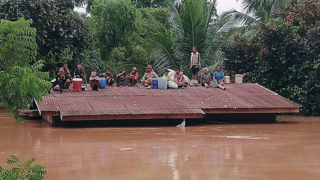 Dam yang jebol genangi enam desa