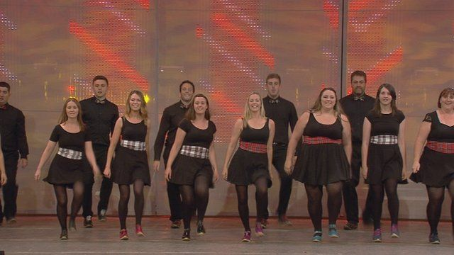 Dawns Stepio i Grŵp (95) / Step Dance Group (95)