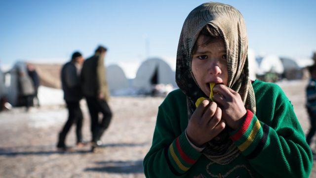 صورة من 2013 لطفل بمخيم للاجئين بمنطقة أعزاز الحدودية بسوريا