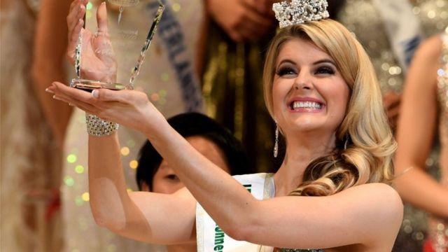 الكسندرا بريتون ملكة جمال استراليا التي حازت على المركز الثاني في المسابقة