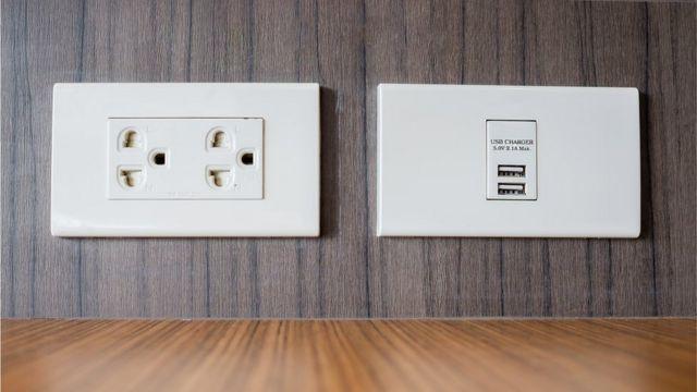 電源插座和USB充電接口