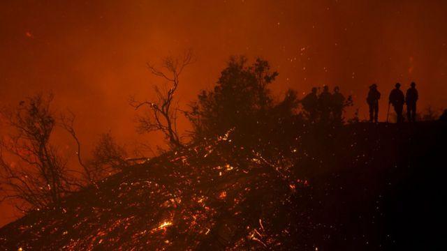 Incendio en la costa de California