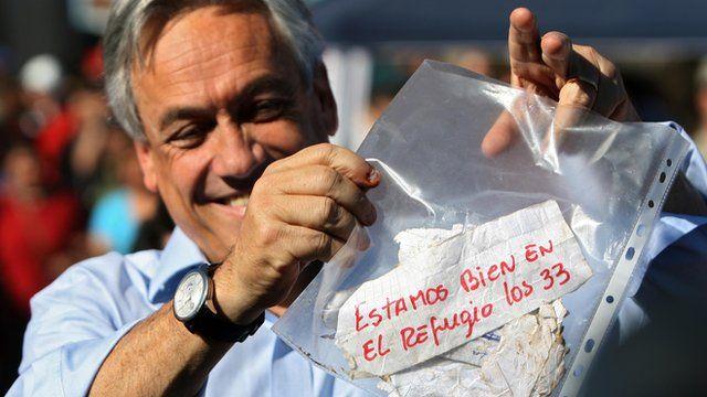 Presidente do Chile exibe bilhete