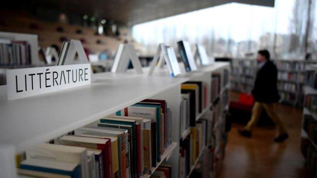 Чтение помогает нам понять эмоции более глубоко и разобраться с наиболее сложными из них