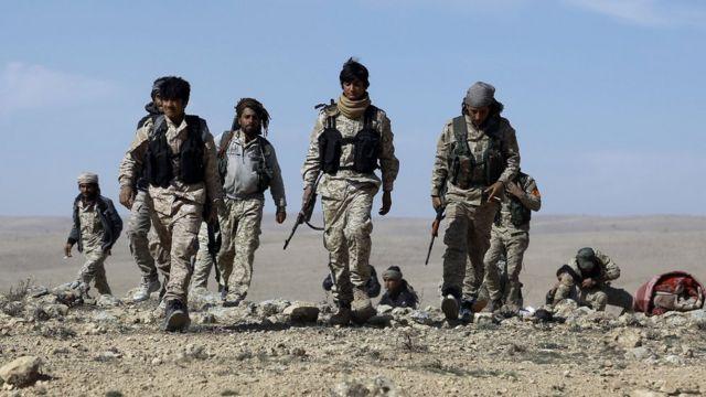 シリア民主軍(SDF)の兵士たち。今年2月、ハサケ県で。