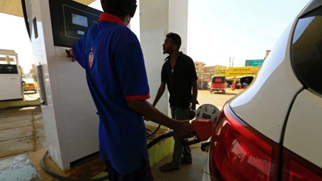 محطة وقود في السودان