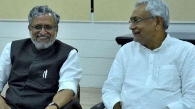 बिहार के मुख्यमंत्री नीतीश कुमार और उपमुख्यमंत्री सुशील कुमार मोदी