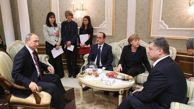 Во время переговоров в Минске Путин угрожал