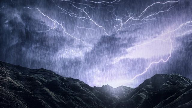 """""""Como chuva, mas com pedras e ventos supersônicos"""""""