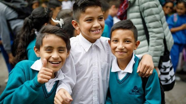 Estudiantes en Colombia. Foto: Noah Sheldon.