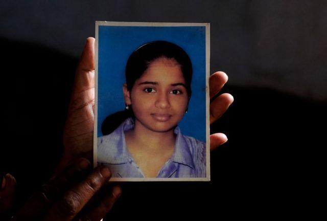 নবারুনা চক্রবর্তীকে অপহরণ করা হয় ২০১২ সালের সেপ্টেম্বরে